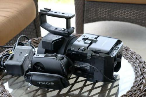 Sony NEX-FS700U CMOS HD Body NEX-FS700U w/Side Grip